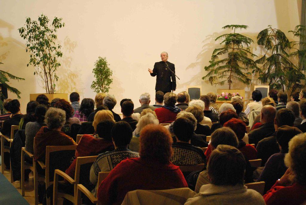 Dr. Papp Lajos előadása - 2010.12.03.
