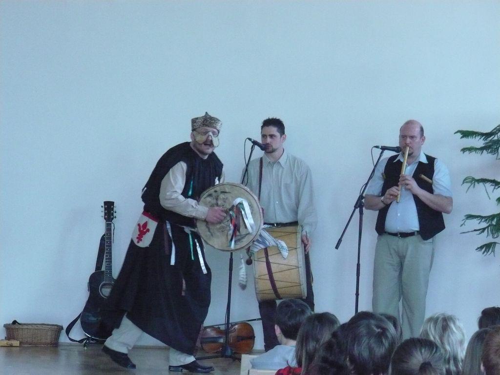 Kolompos együttes előadása - 2009.04.01.