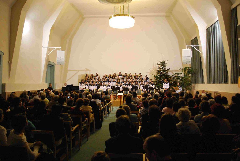 MÁV Szimfonikusok és a Forrás kórus koncertje - 2011.12.16.