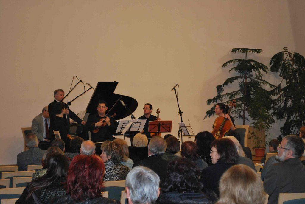 Mocsári Károly és a Szervánszky kvartett koncertje - 2010.12.17.