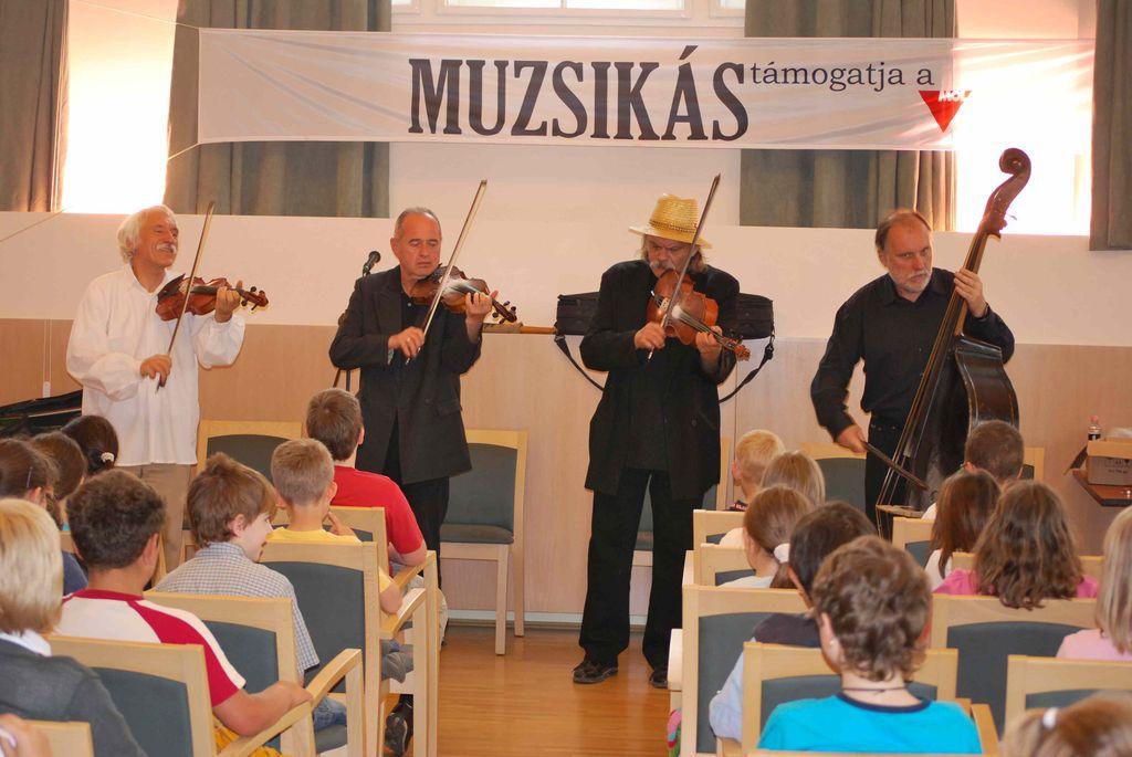 Muzsikás Együttes rendhagyó énekóra - 2010.05.03.