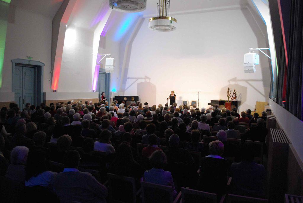 Operett gála Oszvald Marikával és az Operett Voices társulattal - 2013.12.06.