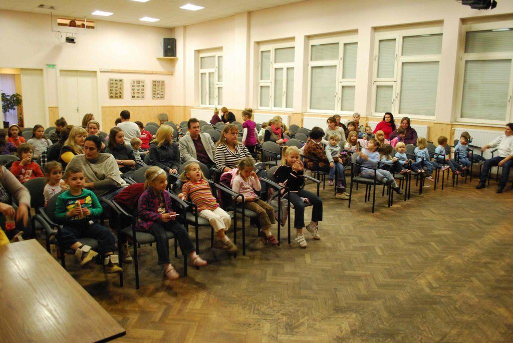 Tökfaragás ás Ágacska előadás - 2012.10.26.