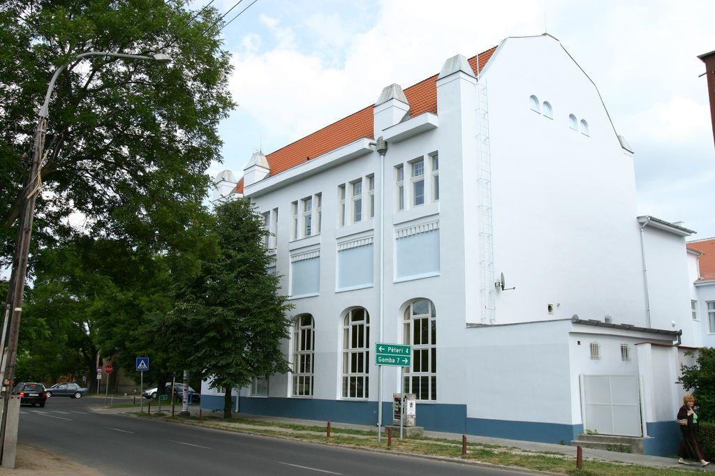 A Vigadó felújítása 2006.04.-2007.05.